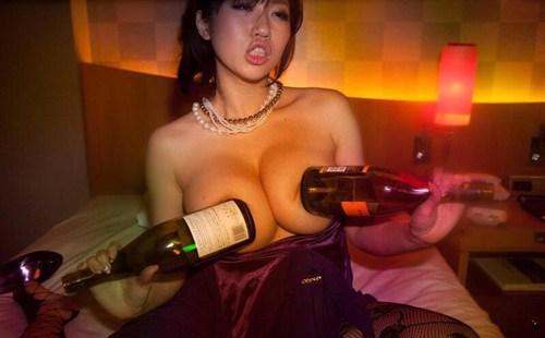 【素人】ラブホ女子会の実態が過激すぎる流出エロ画像(27枚)その3