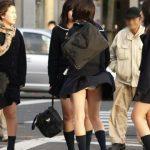 【街撮りJKエロ画像】登下校中の女子●生の何気ない仕草がめっちゃそそるなwww太ももを見てるだけで○起しそうで困るwww(15枚)