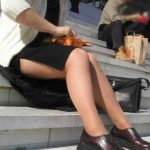 【スリットエロ画像】これは反則級のエロさ!生で見たら痴漢不可避…サイドスリットのスカートがやばすぎるwww
